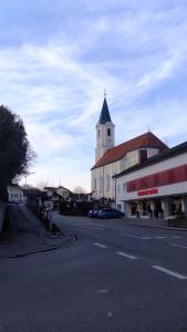 21-Am Cafe Schwaiger vorbei - links abbiegen zum Marktplatz
