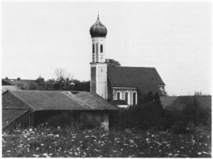 uFr23-08 Fr Kirche v Süd ca1982