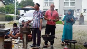 Flüchtlinge kochen auf-07-2016-12