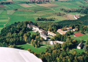 k-uZi04-88 Zinneberg Luftbild