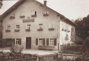 k-GO032-04 Sattlerhof v vorn