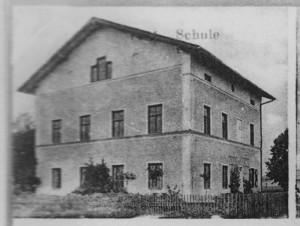 k-uBn62-04 Nettdf Schulhaus