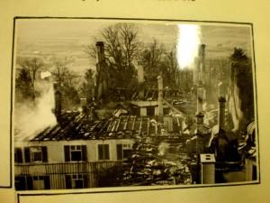 k-uZi04-66 Zinn nach d Brand 1938