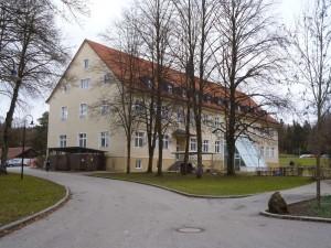 k-uZi36-24 Zinn Schule u Wohnen v hi